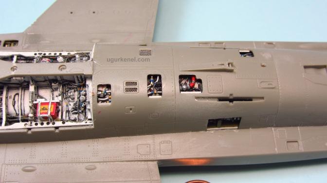 Italeri F-16D Fighting Falcon – Part 2